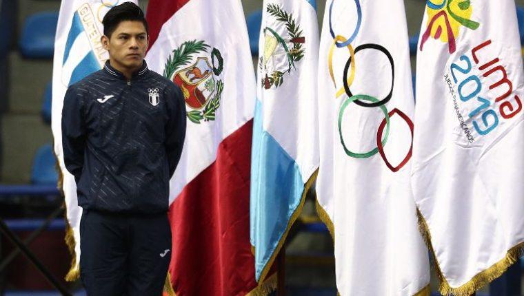 Jorge Vega compartió su alegría por ser elegido como abanderado de la delegación nacional en Lima 2019. (Foto Prensa Libre: Carlos Hernández).