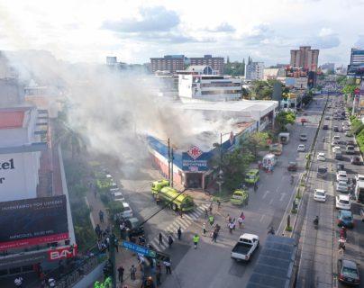 Imagen aérea de la explosión que ocurrió en la zona 4 de la capital. (Foto Prensa Libre: Vuelotenango)