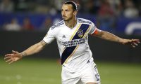 CARSON, CALIFORNIA - MARCH 31: Zlatan Ibrahimovic #9 of Los Angeles Galaxy celebrates his second goal against the Portland Timbers during the second half at Dignity Health Sports Park on March 31, 2019 in Carson, California.   Katharine Lotze/Getty Images/AFP == FOR NEWSPAPERS, INTERNET, TELCOS & TELEVISION USE ONLY ==