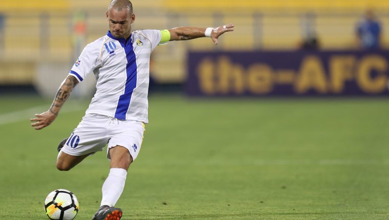 Wesley Sneijder pasa del terreno de juego a la dirigencia deportiva. (Foto Prensa Libre: AFP)