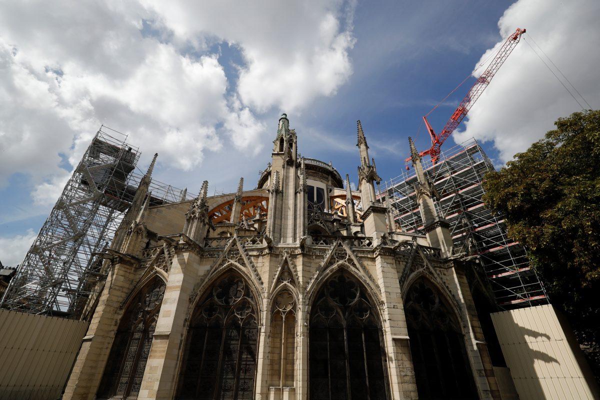 Las obras de la Catedral de Notre Dame en París se reanudan con más medidas de seguridad