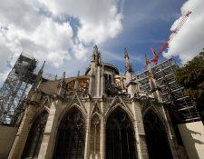 Reanudan los trabajos en Notre Dame. (Foto Prensa Libre: AFP)