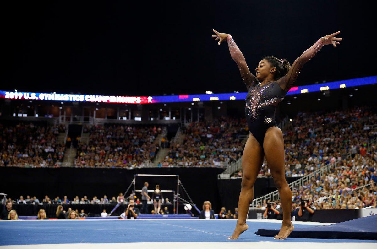 Simone Biles ejecuta un espectacular salto nunca antes visto y asombra a todo el mundo