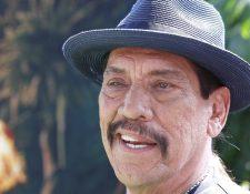 El actor Danny Trejo salvó a un bebé atrapado en un auto volcado tras un accidente en Los Ángeles. EPA