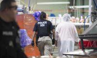 Las redadas realizadas el miércoles en seis localidades del estado de Misisipi suponen la mayor operación de este tipo en una década en EE.UU. (Foto Prensa Libre)