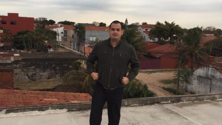 Víctor Parada dice que espera que su testimonio sirva para que otras personas se arrepientan de intentar hacer un viaje como el que hizo él.