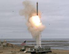 Estados Unidos no había lanzando un misil de este tipo por tierra desde hace más de tres décadas. AFP