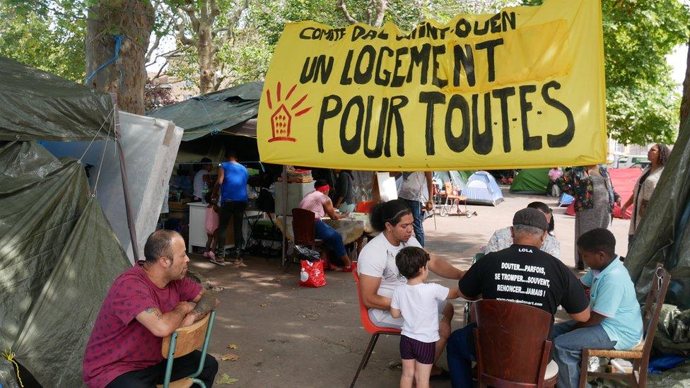 """El centenar de latinos que terminó en las calles de un suburbio París: """"Habíamos construido una casa en el aire"""""""