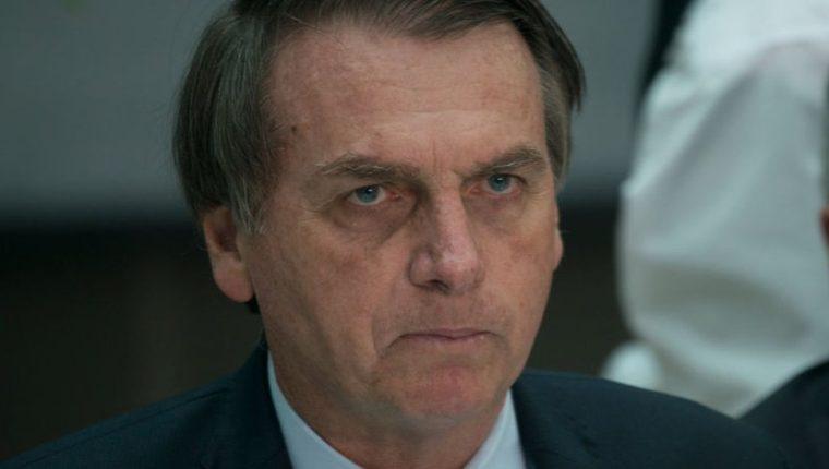El presidente de Brasil, Jair Bolsonaro, ordenó enviar al ejército a las zonas afectadas por los incendios.