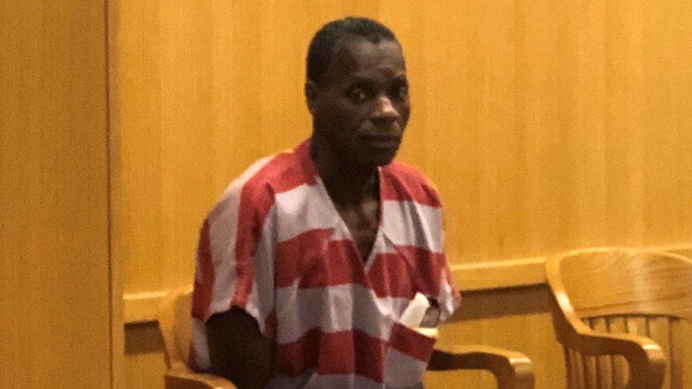 Sistema carcelario en Estados Unidos: el hombre liberado tras 35 años en la cárcel por robar US$50 a una panadería