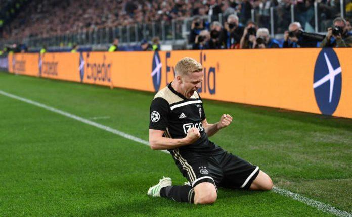 Van de Beek es uno de los jugadores codiciados en Europa. (Foto Prensa Libre: Hemeroteca PL)