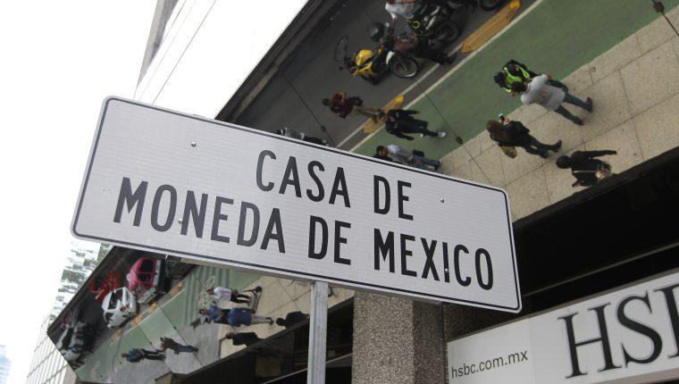 Vista de una señal de ubicación frente a la Casa de Moneda, ubicada en el Paseo de la Reforma de la Ciudad de México. (Foto Prensa Libre EFE)