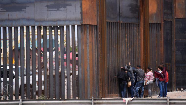 Los migrantes salvadoreños y hondureños que soliciten asilo a EE. UU. podrían ser enviados a Guatemala. (Foto Prensa Libre: EFE)