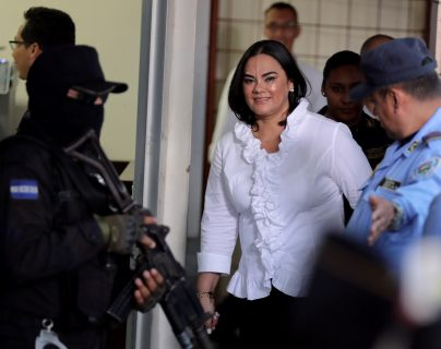 Piden 77 años de cárcel para exprimera dama hondureña culpable de corrupción