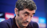 El entrenador del FC Barcelona, Ernesto Valverde durante la rueda de prensa que ha ofrecido en la Ciutat Esportiva Joan Gamper. (Foto Prensa Libre: EFE)