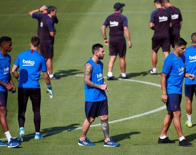 Lionel Messi todavía no ha jugado ningún minuto en la temporada de la Liga Española. (Foto Prensa Libre: EFE)