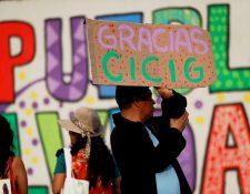 Un grupo de ciudadanos participó en una actividad donde se agradeció la labor de la Cicig. (Foto Prensa Libre: EFE)
