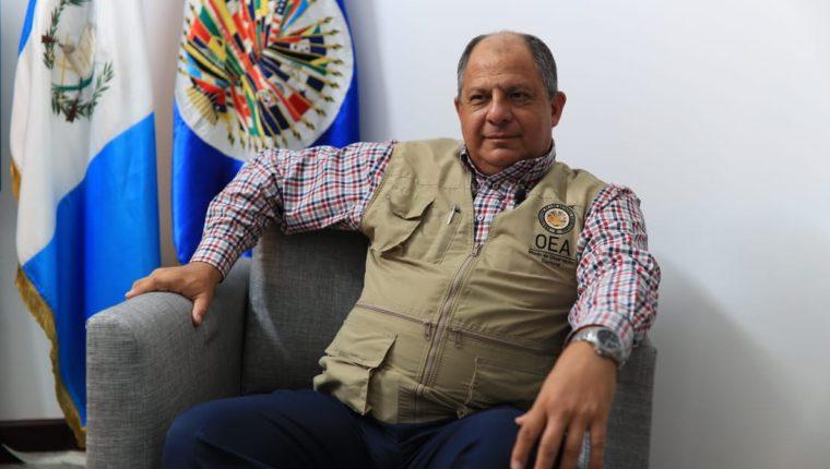 El jefe de la Misión Electoral de la OEA, Luis Guillermo Solís en entrevista con Prensa Libre habla sobre el proceso electoral en Guatemala. (Foto Prensa Libre: Carlos Hernández Ovalle)