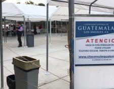 La afluencia de votantes en el consulado General de Guatemala fue escasa. (Foto Prensa Libre: Marco López)