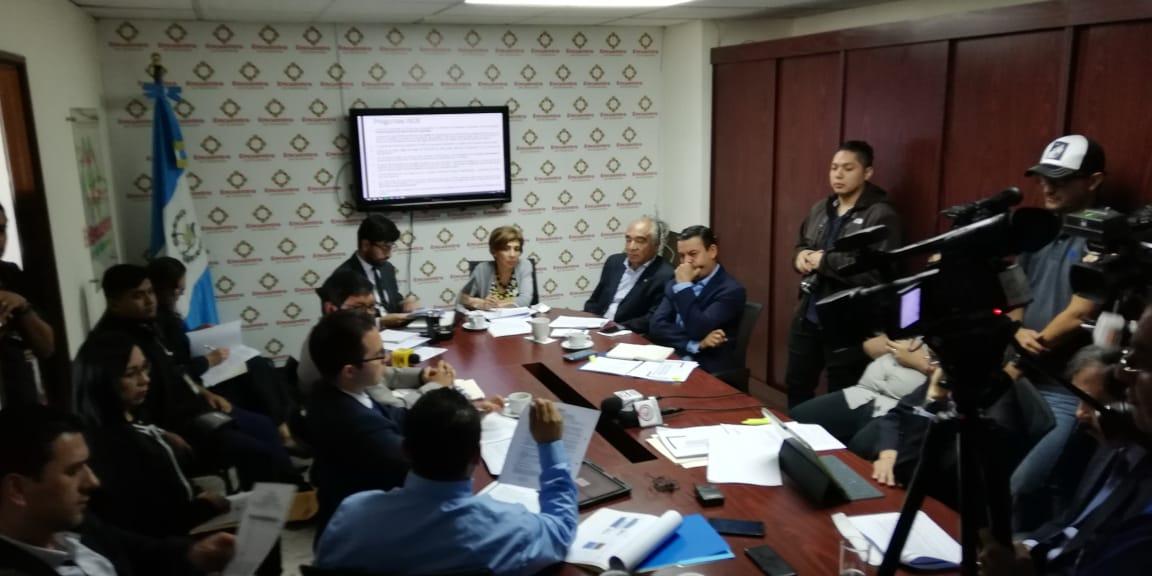 Contraloría pide a diputados y directivos del Inde denunciar proyecto de generación solar