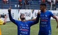 El paraguayo Lauro Cazal anotó su primer gol con la camisola de Cobán Imperial. (Foto Prensa Libre: Eduardo Sam Chun)