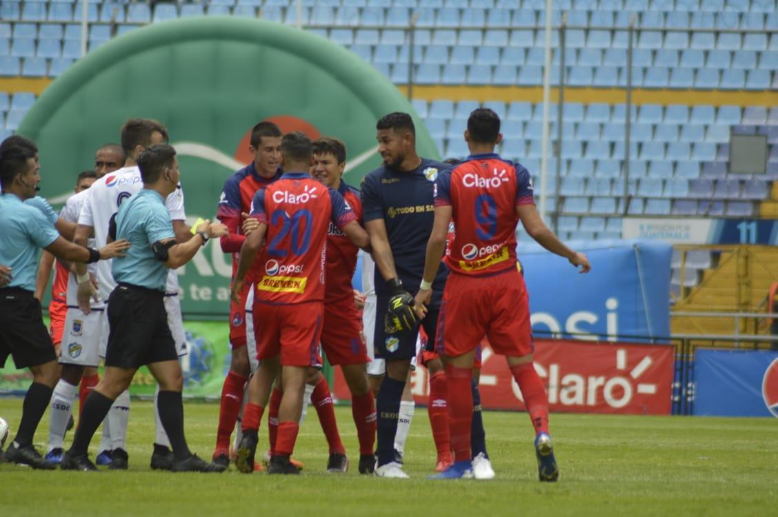 José Calderón es suspendido un partido; Fredy Pérez y Manuel López, dos