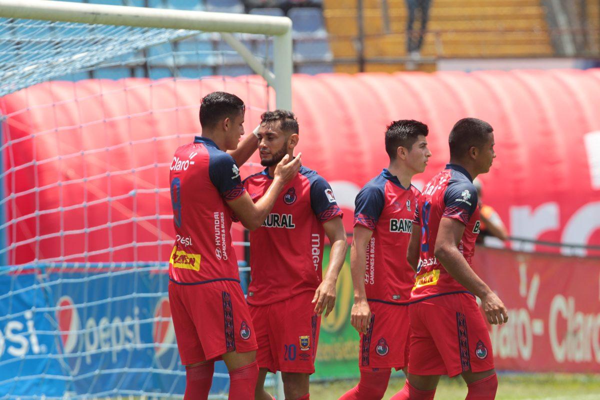 Municipal gana el Clásico 307 a Comunicaciones con gol de Danilo Guerra