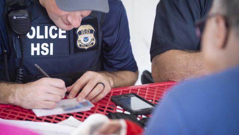 Agentes de ICE han venido a Guatemala a capacitar a efectivos de la Policía Nacional Civil y del Instituto Guatemalteco de Inmigración. (Foto Prensa Libre: Hemeroteca PL)