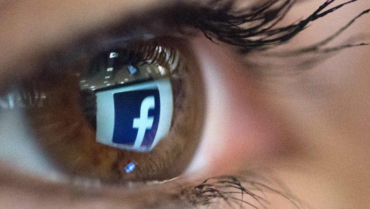 Facebook probará nueva herramienta de gestión de datos personales. (Foto Prensa Libre: AFP)