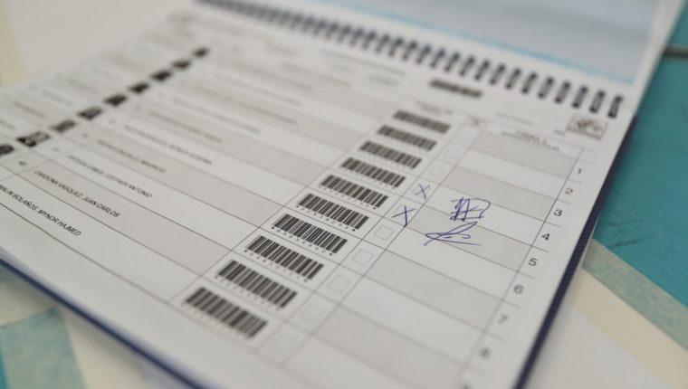 La falta de participación ciudadana es evidente durante la segunda vuelta electoral. (Foto Prensa Libre: Juan Diego González)