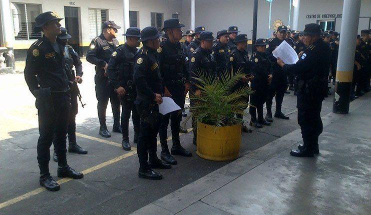 Más agentes de la PNC serán asignados a la seguridad de la segunda vuelta electoral. (Foto Prensa Libre: Mingob)