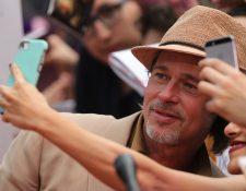 El actor estadounidense Brad Pitt, en una plaza comercial de la Ciudad de México. (Foto Prensa Libre: EFE)