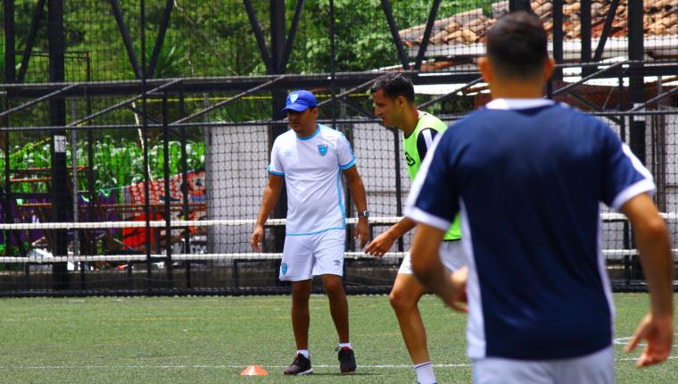 El entrenador guatemalteco Amarini Villatoro espera lograr un buen resultado frente a República Dominicana. (Foto Prensa Libre: Luis López)