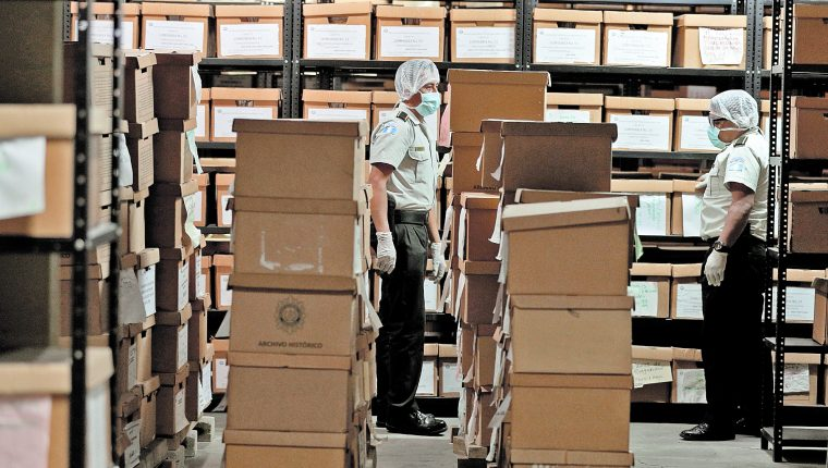 57 millones de documentos son resguardados en el Archivo Histórico de la Policía Nacional ubicado en la zona 6 de la ciudad. (Foto Prensa Libre: Hemeroteca PL)
