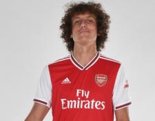 El defensa brasileño David Luiz defenderá los colores del Arsenal. (Foto Prensa Libre: Arsenal)