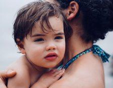 Dedicar especial atención a que los pequeños del hogar sepan que son amados y  especiales es crucial para su vida. (Foto Prensa Libre: Servicios)