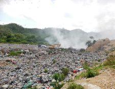 El vertedero municipal de San Benito, Petén, registra altos niveles de contaminación, los cuales afectan a la población. (Foto Prensa Libre: Dony Stewart)