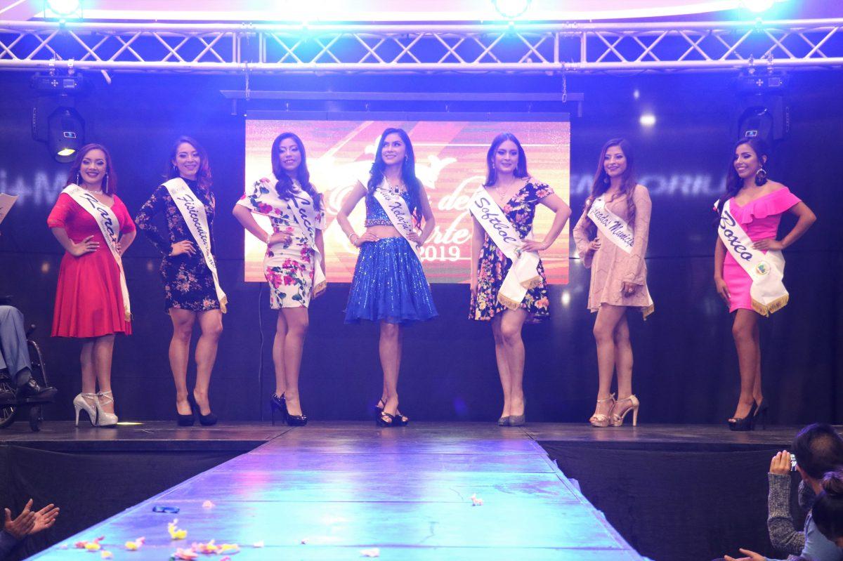Presentan a candidatas que aspiran obtener la corona de Reina del Deporte de Quetzaltenango