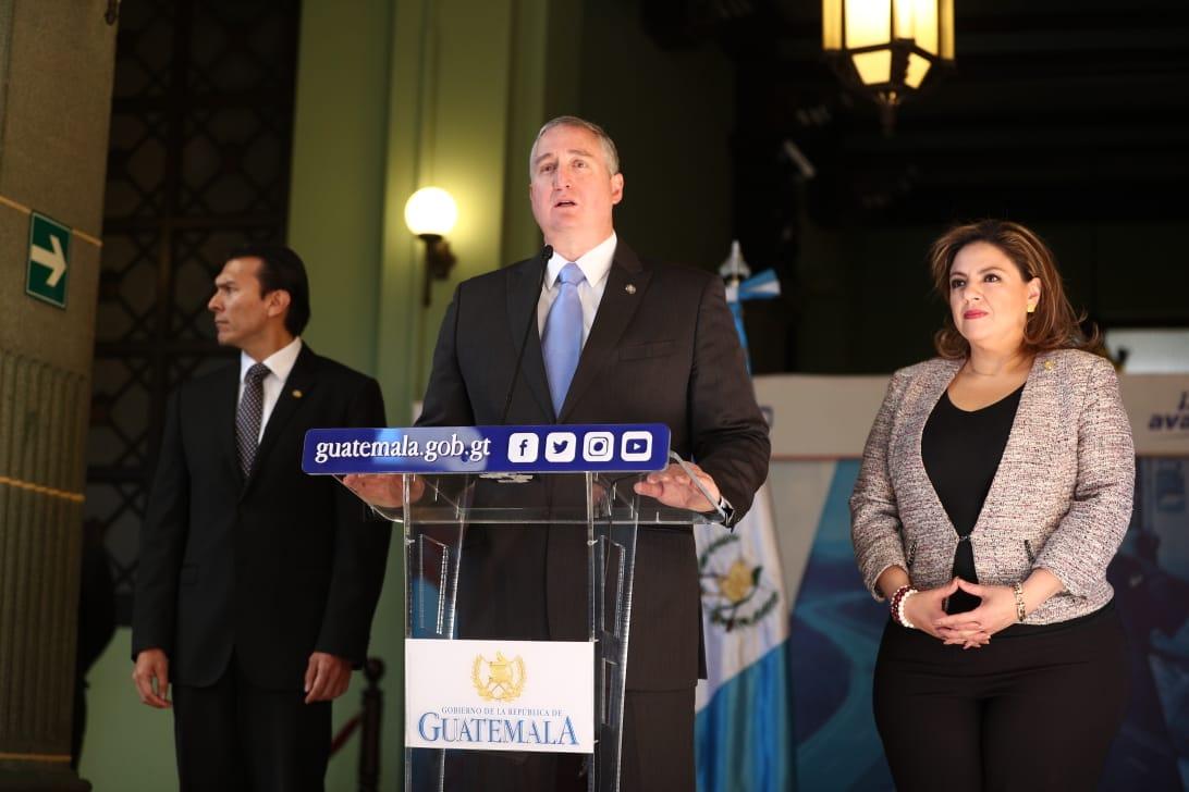 Gobernación y Cancillería defienden acuerdo migratorio y reprochan amparos