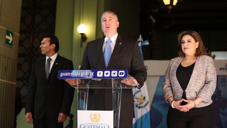 Ministros informan acerca de los temas tratados con el secretario de Seguridad Nacional de EE. UU., Kevin McAleenan. (Foto Prensa Libre: Carlos Hernández).
