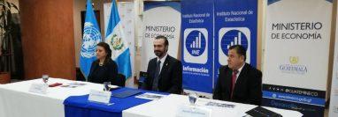 Autoridades del Instituto Nacional de Estadística, el Ministerio de Economía y el Fondo de Población de las Naciones Unidas brindan detalles del censo que se realizó en 2018. (Foto Prensa Libre: Carlos Álvarez)