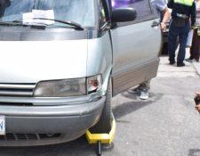 La Municipalidad de Quetzaltenango adquirió 18 cepos para implementar esta medida en la ciudad. (Foto Prensa Libre: María Longo)