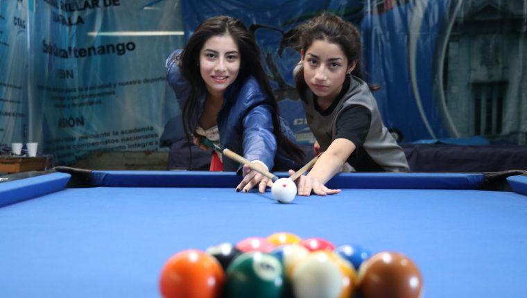 Ángeles y Corina Domínguez Díaz buscarán brillar en el Panamericano en Perú, que representa su primer desafío internacional. (Foto Prensa Libre: Raúl Juárez)