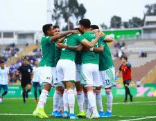 Así festejaron los jugadores de México frente a Argentina. (Foto Prensa Libre: @miseleccionmx)