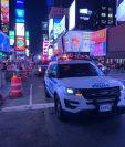Policía se moviliza en Times Square ante la sospecha de un tiroteo. (Foto Prensa Libre: Tomada de @AlfredoT47/Twitter)
