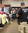 Los agentes de control de aduanas hicieron las capturas. (Foto Prensa Libre: ICE)
