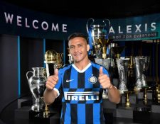 Alexis Sánchez luce la camisola del Inter de Milán. (Foto Prensa Libre: Twitter @Inter)