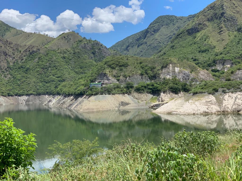 Baja hasta 40% la generación con hidroeléctricas