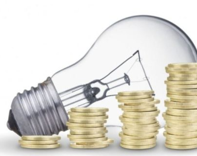 La EEGSA afirma que al trasladar consumos a horarios de baja demanda de energía se lograrán ahorros. (Foto, Prensa Libre: Hemeroteca PL).