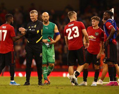 Los jugadores del Manchester United festejaron al final del juego. (Foto Prensa Libre: AFP)
